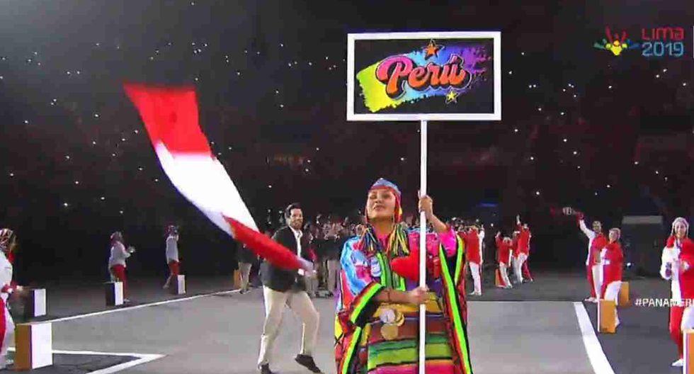 Stefano Peschiera portó la bandera peruana en el desfile de delegaciones. (Captura: Movistar TV)