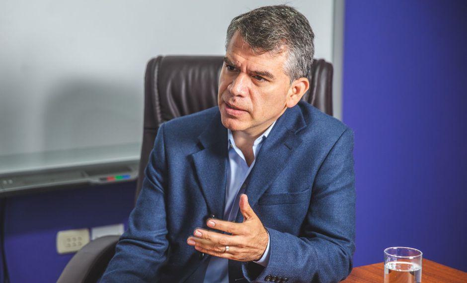 Julio Guzmán se mantiene como el líder del Partido Morado. (Foto: GEC)