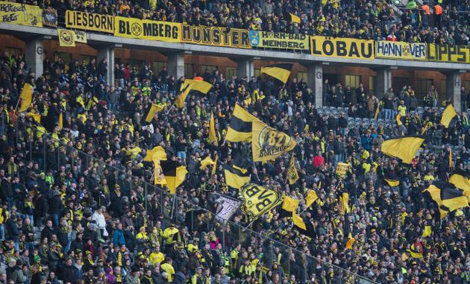 Hinchada del Borussia Dortmund (Foto: AFP)