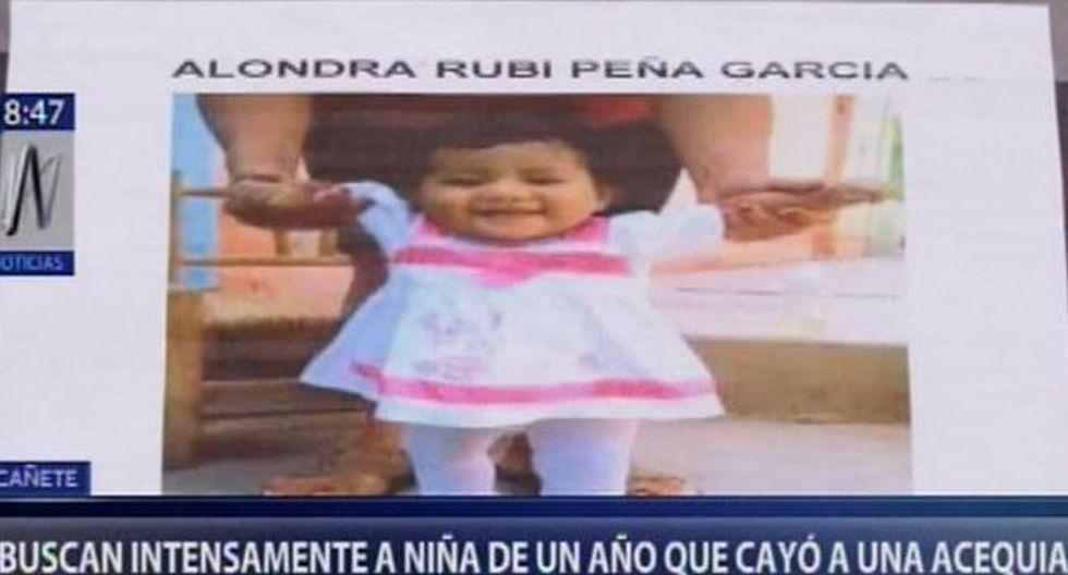 Las autoridades manejan la hipótesis de que la niña jugaba en una calamina agrietada y cayó al canal de regadío. (Foto: Canal N)