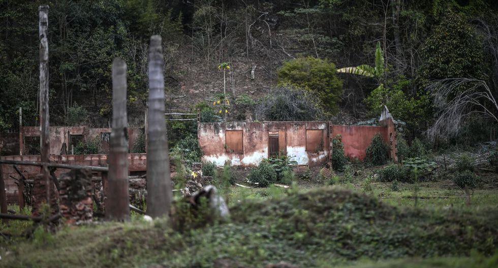Cuatro años después, en las zonas arrasadas del municipio de Mariana, solo quedan ruinas de pequeñas ciudades, una naturaleza devastada y miles en espera de indemnización. (Foto: AFP)