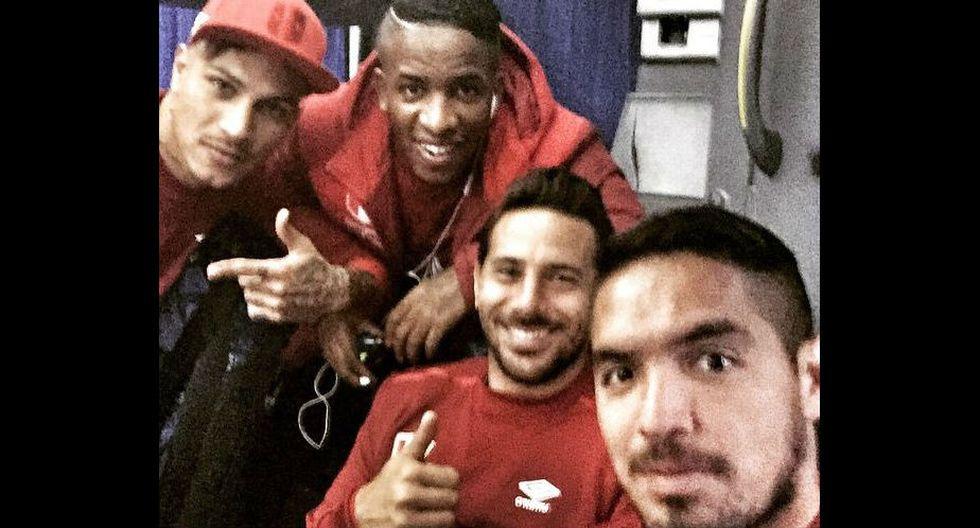 Vargas es uno de los jugadores nacionales que más fotos ha subido a su cuenta de Instagram en la presente Copa América. En cada entrenamiento o viaje, aprovecha para posar junto a sus compañeros de equipos.   (@juamavarri)