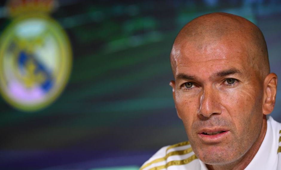 Zinedine Zidane mantiene la tranquilidad a pesar de los rumores sobre su futuro en Real Madrid. (Foto: AFP)