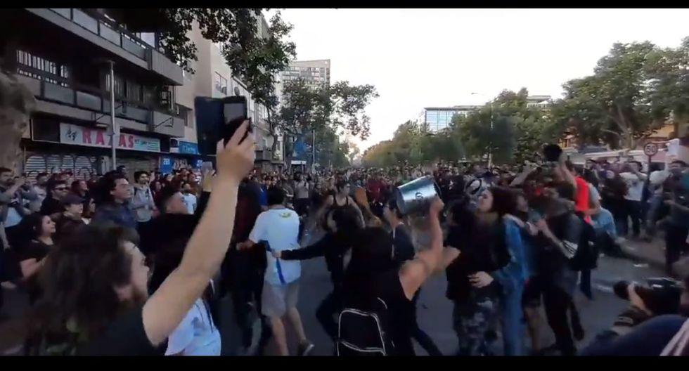 El tema se ha vuelto un himno entre los jóvenes chilenos. (Twitter)