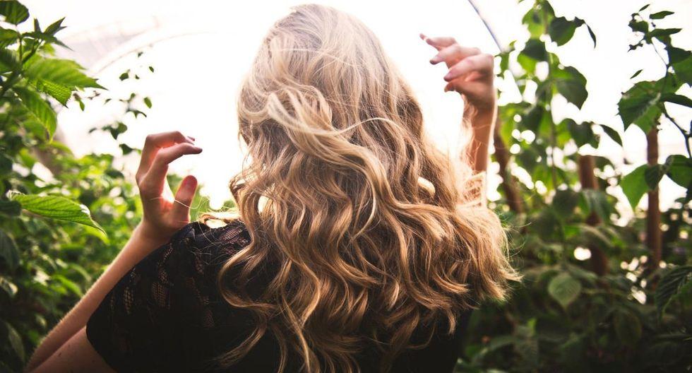 Recomendaciones para tener un mejor cabello sin tener que ir al salón todas las semanas. (Foto: Pexels)
