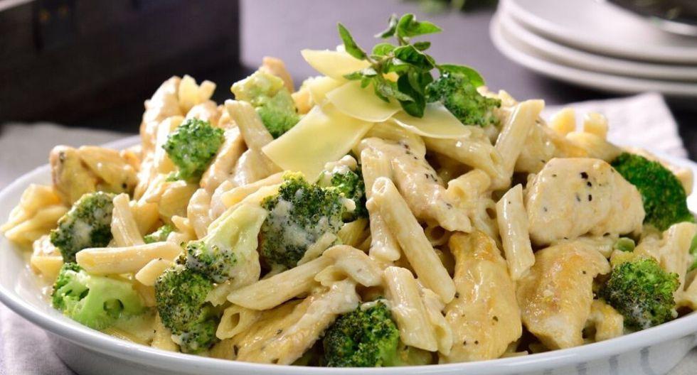 Pluma con pollo y brócoli estilo Alfredo. (Foto: Kiwilimón)