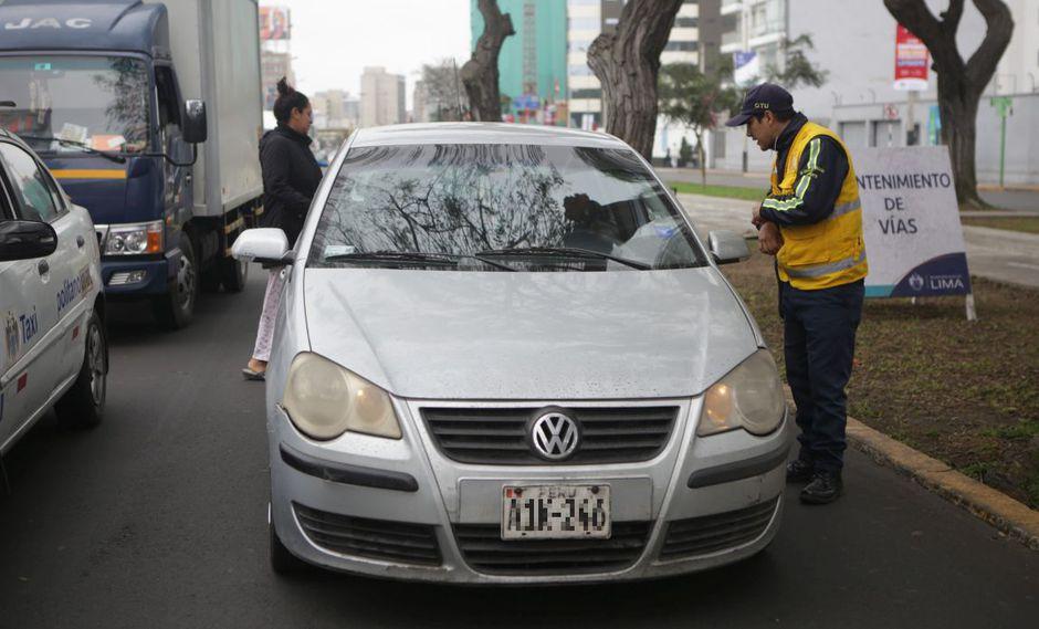 A partir del lunes 5 de agosto, se empezará con la imposición de multas de S/ 336 a aquellos conductores que no respeten el plan 'pico y placa'. (GEC)