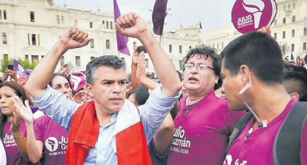 """En la Plaza San Martín, Guzmán llamó a los peruanos a reclamar por sus derechos con """"firmeza y humildad"""". / (USI)"""