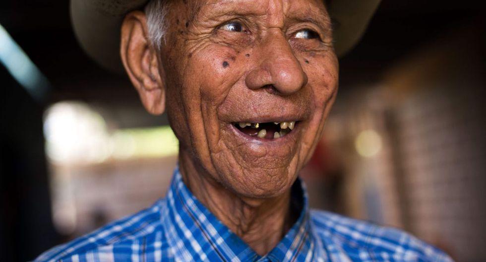 Sus usos perduran gracias a artesanos como Dolores Giménez, de 84 años, patriarca de Bobare (estado Lara, este). (AFP)