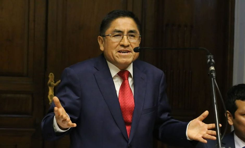 César Hinostroza acudió al Congreso para defenderse ante el informe que recomienda destituirlo, inhabilitarlo y que sea investigado por crimen organizado. (Foto: Congreso)