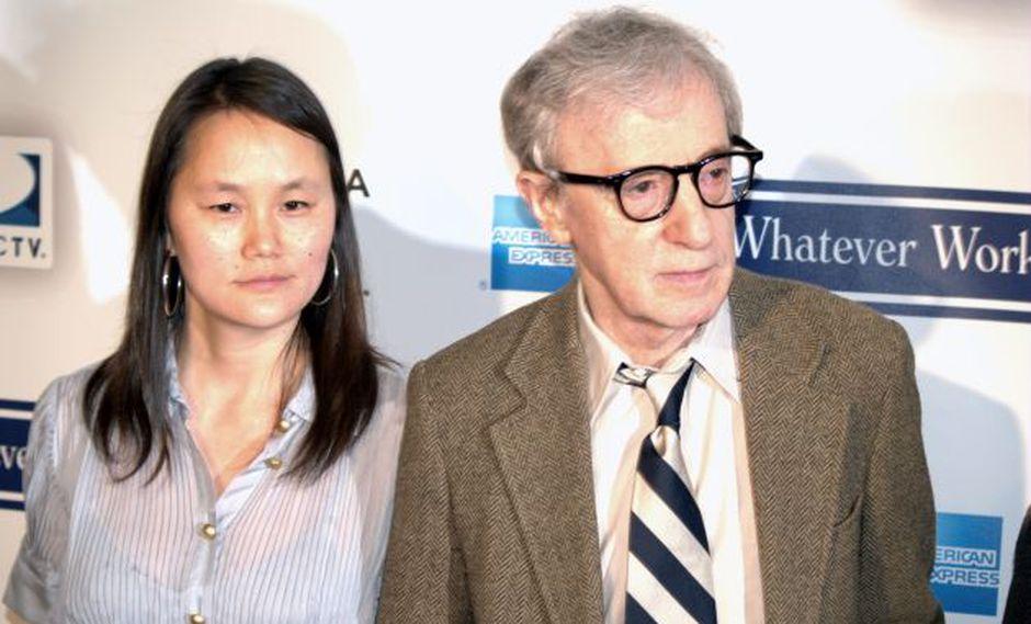 El actor y directo Woody Allen junto a su esposa Soon Yi. (Foto: Wikimedia Commons)