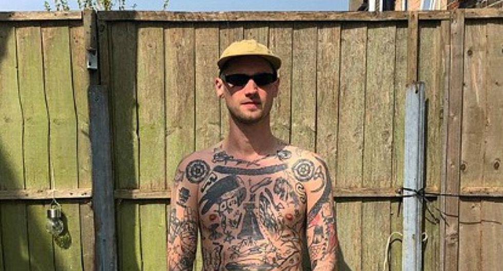 Chris Woodhead es un hombre británico de 33 años que empezó a hacerse tatuajes por cada día que dure la cuarentena. (Foto: Instagram/Chris Woodhead)
