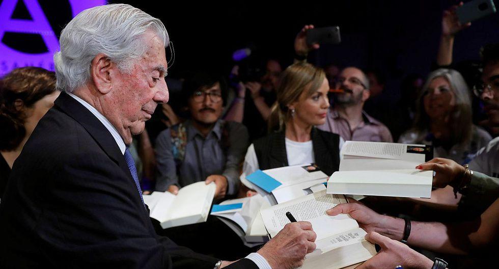 """El Premio Nobel de Literatura, Mario Vargas Llosa, durante la presentación este martes de su nueva novela, """"Tiempos recios"""" en Madrid. (Foto: EFE)"""