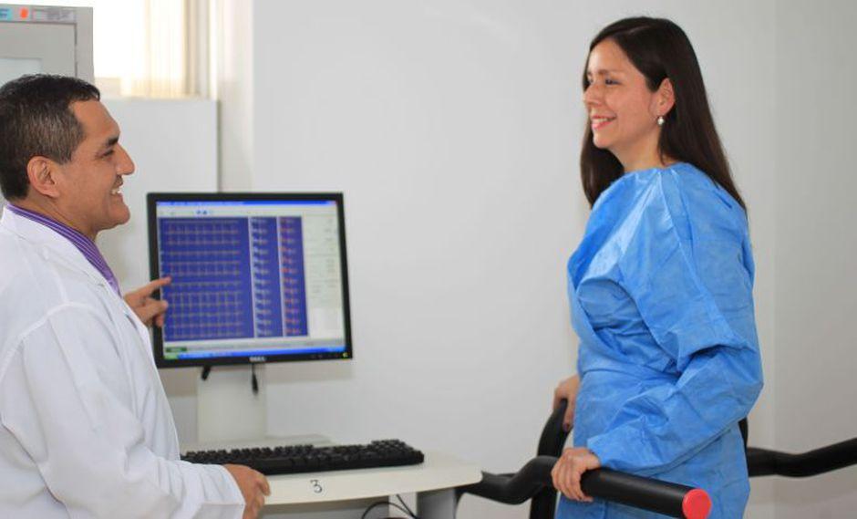 La historia clínica digital permitirá al médico acceder a toda la información completa del paciente. (EsSalud)