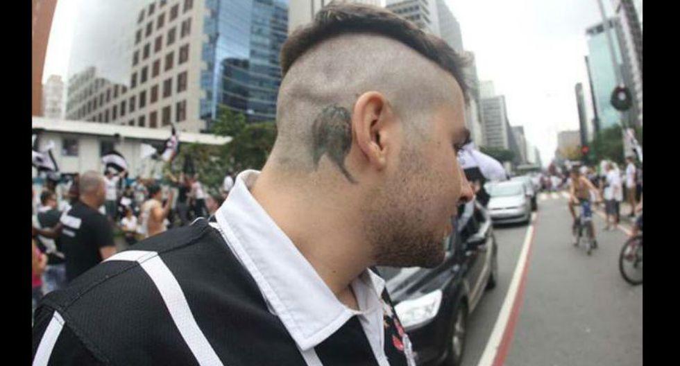 Paolo Guerrero |Luego de que Guerrero le diera al Corinthians el título del Mundial de Clubes con sus goles, los hinchas de este equipo lo consideraron como un ídolo.  Algunos incluso llegaron a imitar sus tatuajes. (Lancenet)