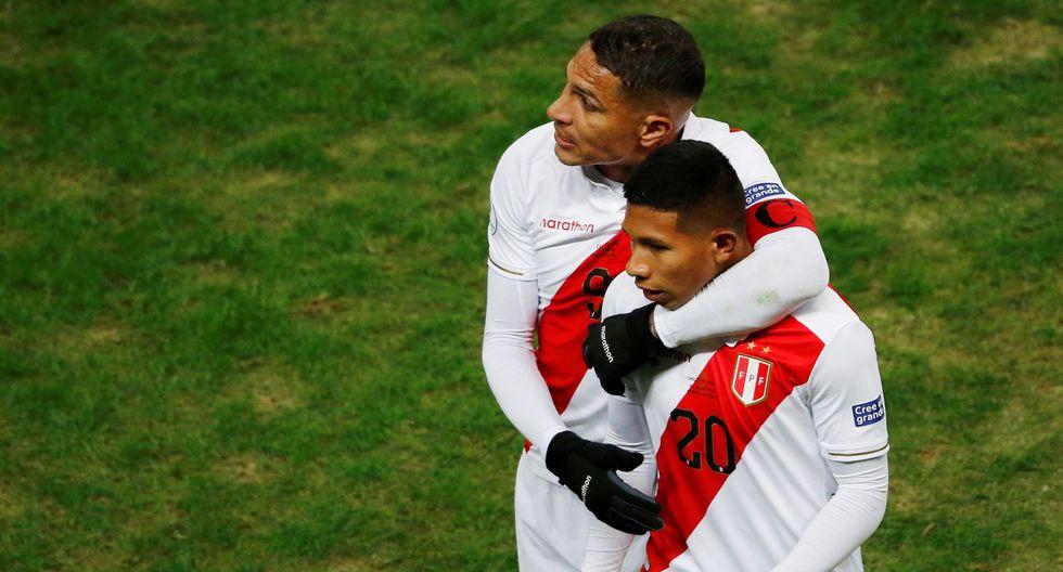 El equipo dirigido por Ricardo Gareca se impuso por 3 a 0 a la selección de Chile con goles de Edison Flores, Yoshimar Yotún y Paolo Guerrero. (Foto: AFP)