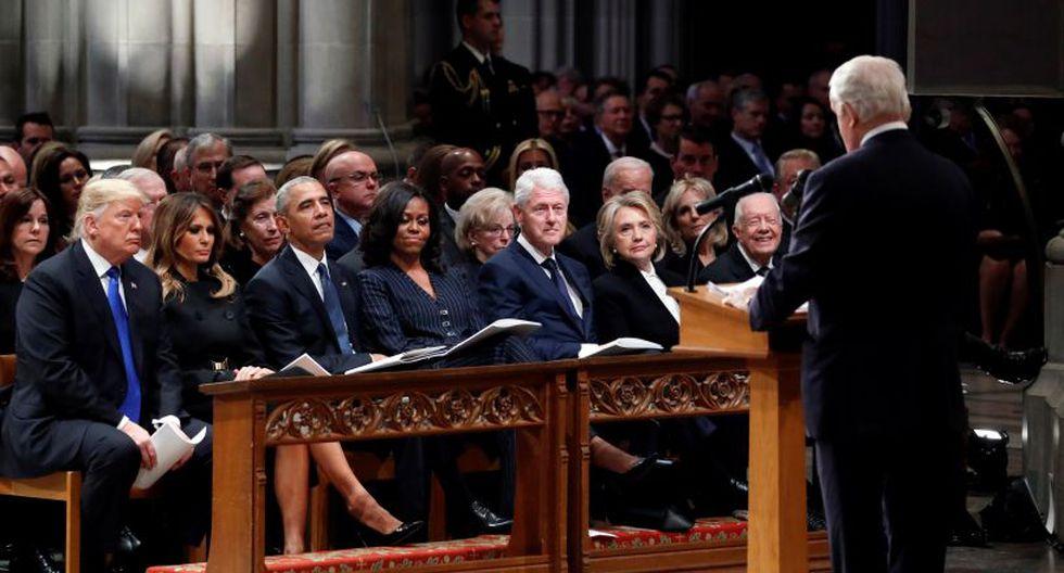 En primera fila del funeral de George H. W. Bush se encontraban los ex mandatarios demócratas Barack Obama, Bill Clinton y Jimmy Carter, junto a sus respectivas esposas, Michelle, Hillary y Rosalynn. (Foto: EFE)