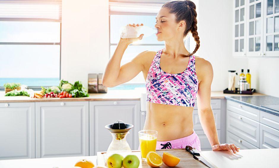 """""""Lo primero que recomiendo es cambiar los carbohidratos procesados (harinas, dulces, azúcares) por grasas saludables""""."""