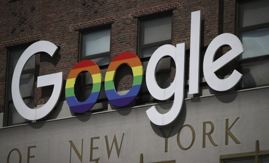El logotipo de Google adorna el exterior de su oficina de Nueva York Google Building. (Foto: AFP)