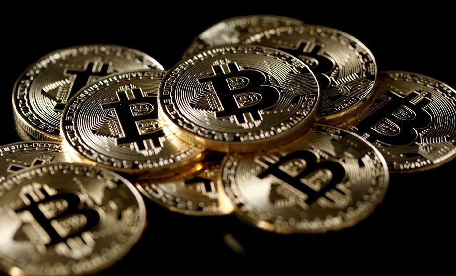 Bitcoin roza los US$ 9,000 y sube un 59% en mayo entre tensión comercial
