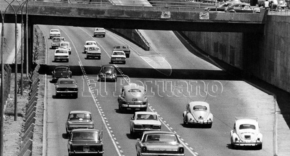 11 marzo 1975 / Tránsito fluído en la vía expresa del Paseo de la República (Foto: Agencia Andina)