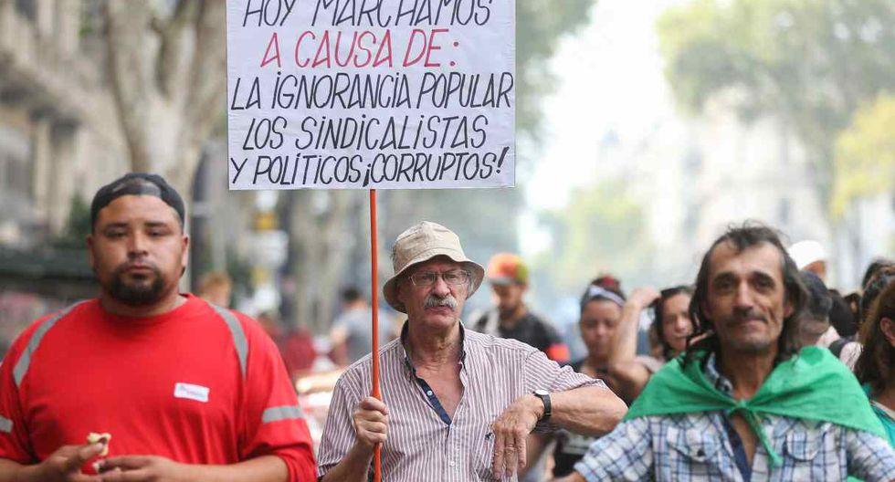 La Confederación General del Trabajo, principal central sindical de Argentina, así como otras organizaciones, se movilizan este jueves para repudiar la política económica del Gobierno de Mauricio Macri. (Foto: EFE)
