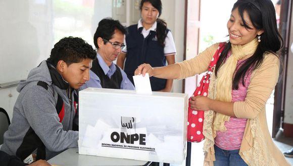 Hoy se lleva a cabo el referéndum en todo el país y la segunda vuelta en 15 regiones. (Foto: Andina)