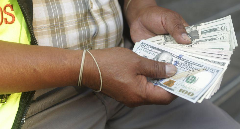 Moneda estadounidense se sitúa S/ 3.356