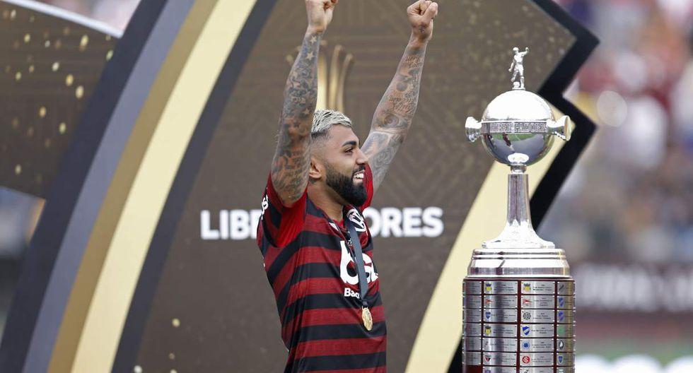 Gabriel Barbosa tiene una tatuaje con la imagen del estadio Monumental de Universitario y la Copa Libertadores. (Foto: AFP)