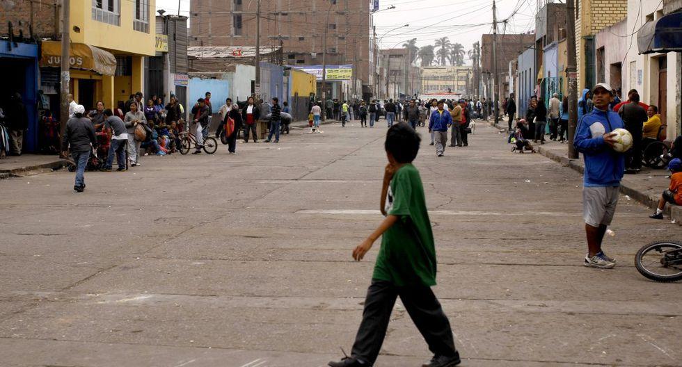La urbanización de Manzanilla ha estado invadida por vendedores ambulantes. (GEC)