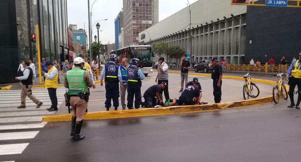 El accidente se produjo aproximadamente a las 7:20 horas en los jirones Cusco y Lampa. (Foto: Gustavo Muñoz / GEC)