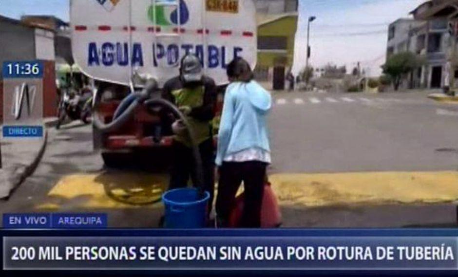 Arequipa: 200,000 pobladores se quedan sin servicio de agua por rotura de tubería