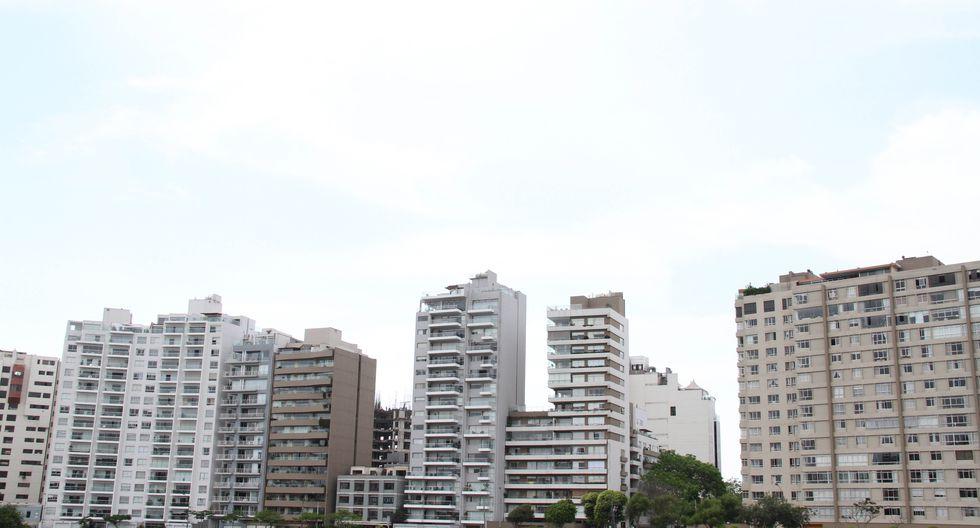 """""""El Ministerio de Vivienda como algunas municipalidades locales han comenzado a ofrecer bonos a los edificios que cumplan ciertos criterios """"ecológicos"""" o """"sostenibles""""."""""""