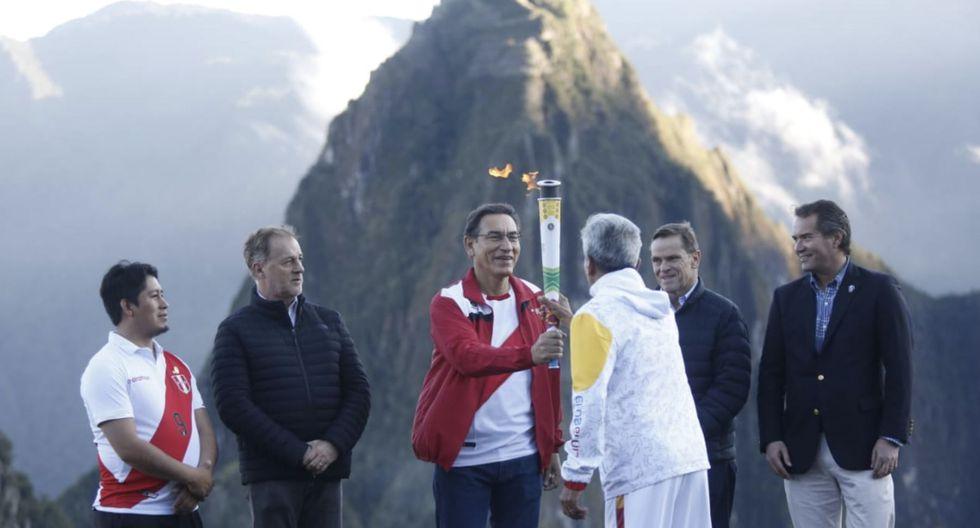 De la ceremonia también fue parteCarlos Neuhaus, presidente de Lima 2019.(Foto: Presidencia)
