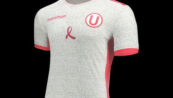 Universitario y Marathon presentaron la nueva indumentaria por el Día Mundial de Prevención de Cáncer de Mama. (Foto: Marathon)