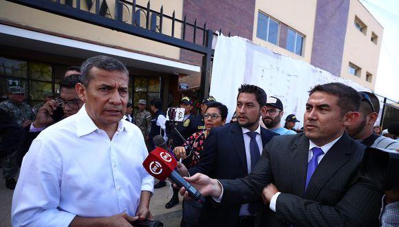 Ollanta Humala acudió en la mañana a votar alcolegio Cristo Salvador, en Surco.(Foto: Daniel Apuy | GEC)