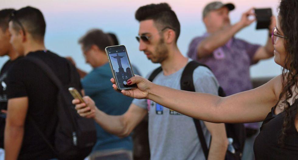 Brasil es un país loco por las selfies. Pero no es el único. (Foto: AFP)