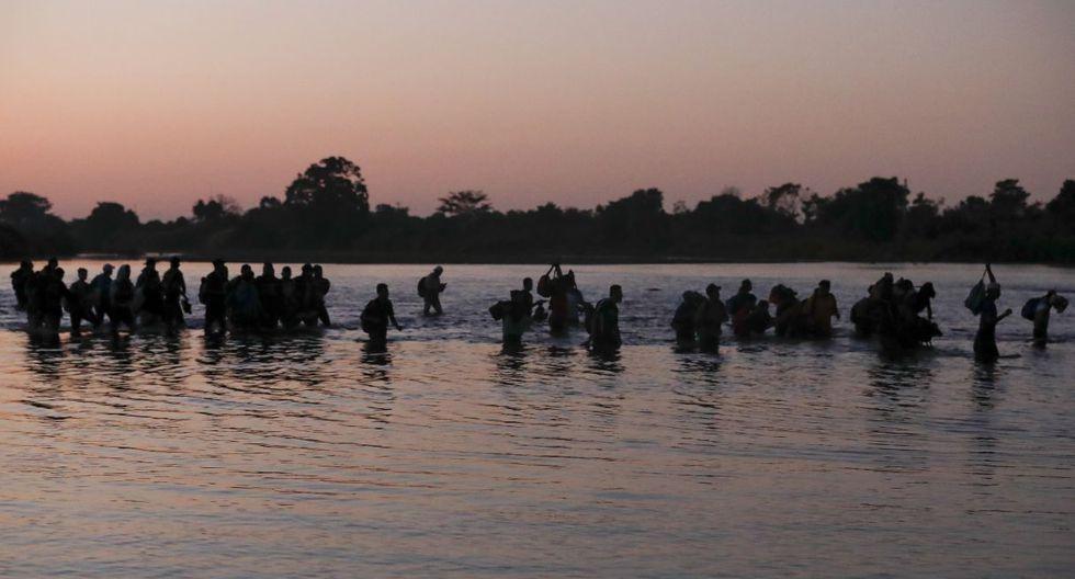 Unas 1.000 personas entraron y fueron llevadas a estaciones migratorias y si bien se está evaluando su condición de asilo o la oferta de trajo, las autoridades migratorias informaron que la mayoría serían deportados. (AP).