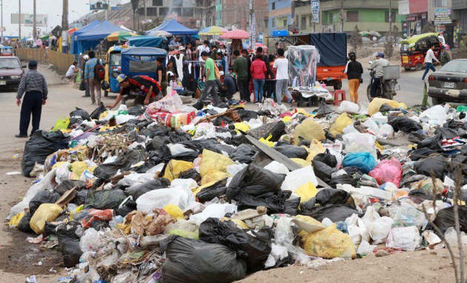 La basura es un problema grave en varios distritos de Lima.
