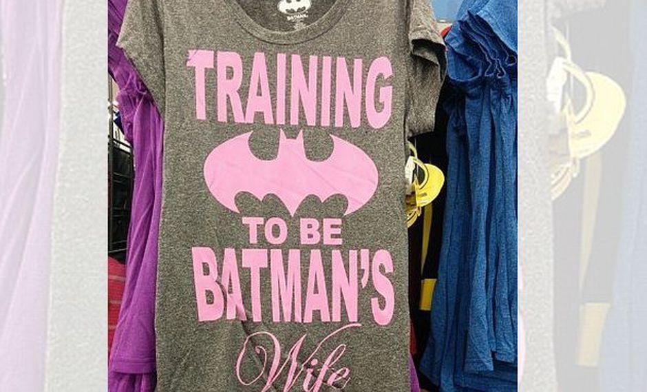 Acusan de sexista a nueva camiseta de DC Comics
