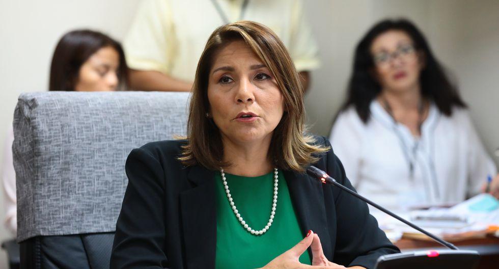 Bustamante destacó que el diálogo y el cumplimiento de compromisos son relevantes para la recuperación la confianza de las comunidades al interior del país. (Foto: Congreso)