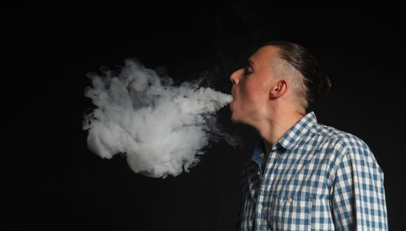 Todos los fumadores tienen un riesgo mucho más elevado de ataque cardíaco. (Foto referencial: Shutterstock)