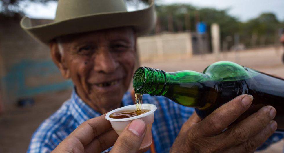 En las montañas semiáridas de Bobare crece el agave, la planta del cocuy, licor ancestral al que vuelven la mirada venezolanos a quienes no les alcanza el dinero para ron, cerveza o, peor aun, whisky. (AFP)