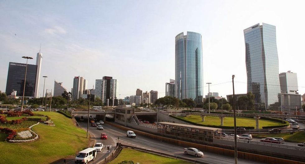 Empatadas en el segundo lugar tenemos a dos construcciones prácticamente vecinas; la torre Las Begonias (izq) y la del Hotel Westin (der). Ambas tienen 120 metros de altura. Están en San Isidro. (Difusión)