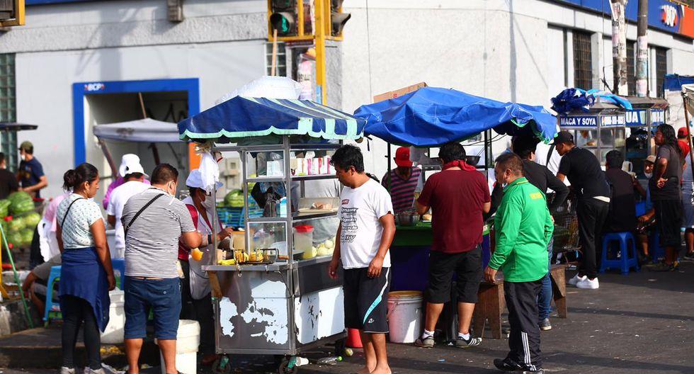 Coronavirus en Perú: ambulantes incumplen restricciones y venden ...