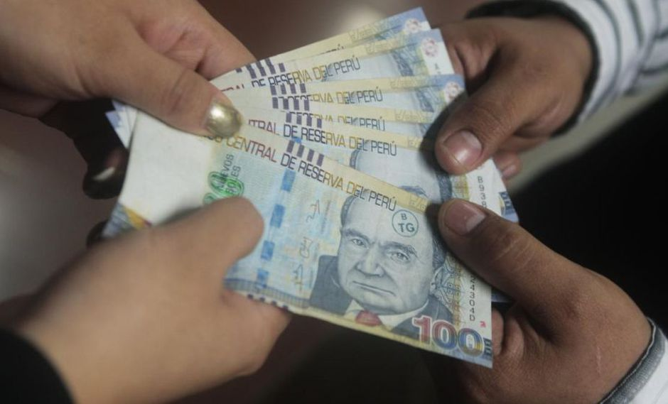 Los trabajadores del sector privado percibirán un sueldo de gratificación por Fiestas Patrias (Foto: USI Perú21)
