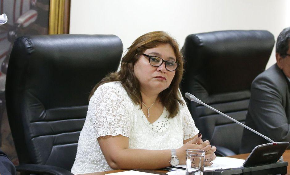 """""""Yo sí creo que debió abrirse una indagación al respecto [...] pero las decisiones se toman mediante votación"""", señaló Janet Sánchez. (Foto: Difusión)"""