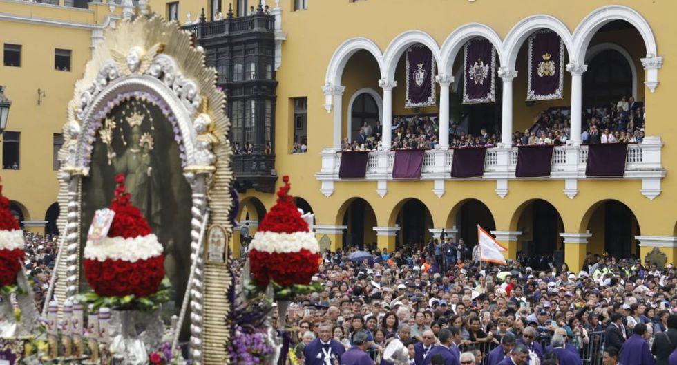 Después de llegar a Palacio de Gobierno, el Cristo de Pachacamilla recibió el homenaje de la Municipalidad de Lima a cargo del alcalde Jorge Muñoz. (Foto: Piko Tamashiro)