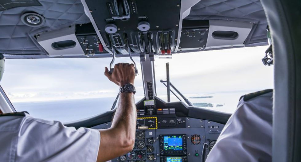 Los dos pilotos hicieron aterrizar el avión y en tierra volvieron a pelear. (Foto referencial: Shutterstock)