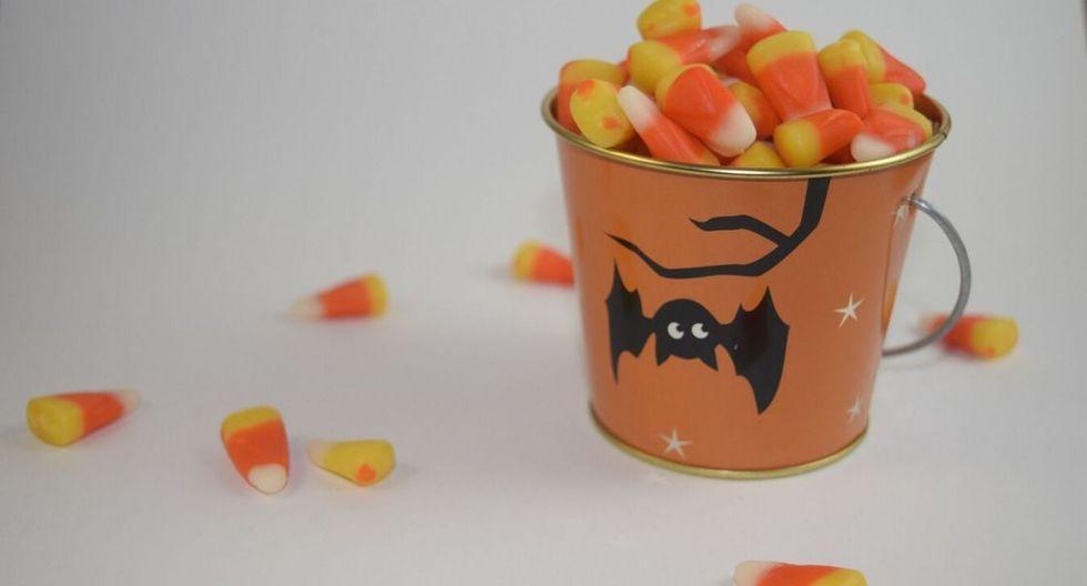 Si los dulces que les van a regalar no tienen registro sanitario, es mejor que no los consuman, pues podrían intoxicarlos. (Foto: Pixabay)